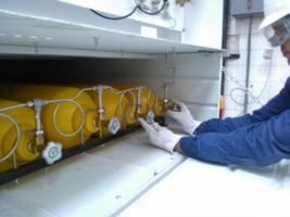 Teste hidrostático em cilindro de ar respirável